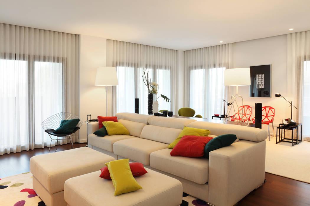 Salas / recibidores de estilo  por Tiago Patricio Rodrigues, Arquitectura e Interiores, Moderno