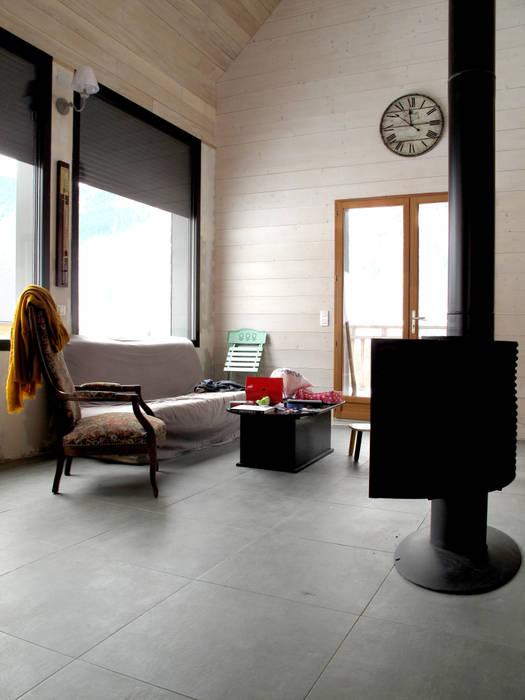 salon: Salon de style de style Classique par Atelier S