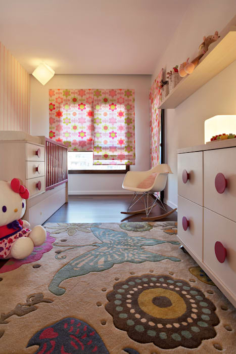 Contemporaneity seeing the river… Modern nursery/kids room by Tiago Patricio Rodrigues, Arquitectura e Interiores Modern