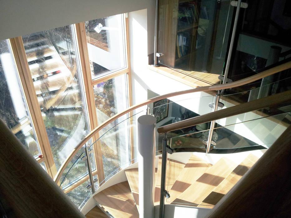 Spiral Staircase Aberdeen: modern  by Complete Stair Systems Ltd, Modern