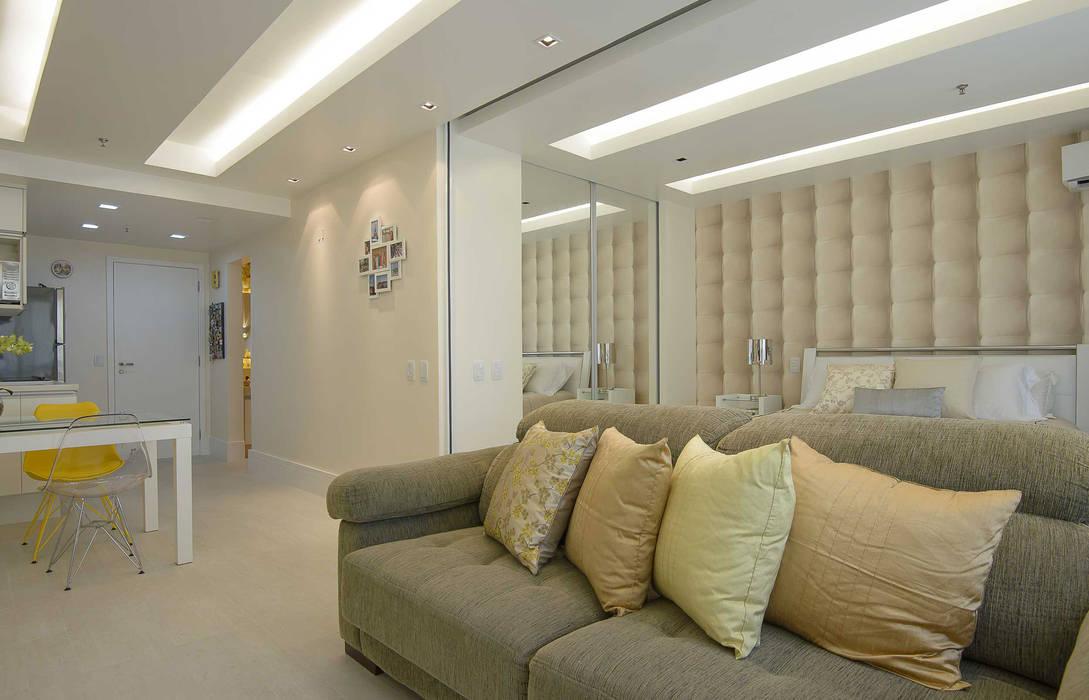 Integração Total Sala de Estar e Quarto Casal: Salas de estar modernas por fpr Studio