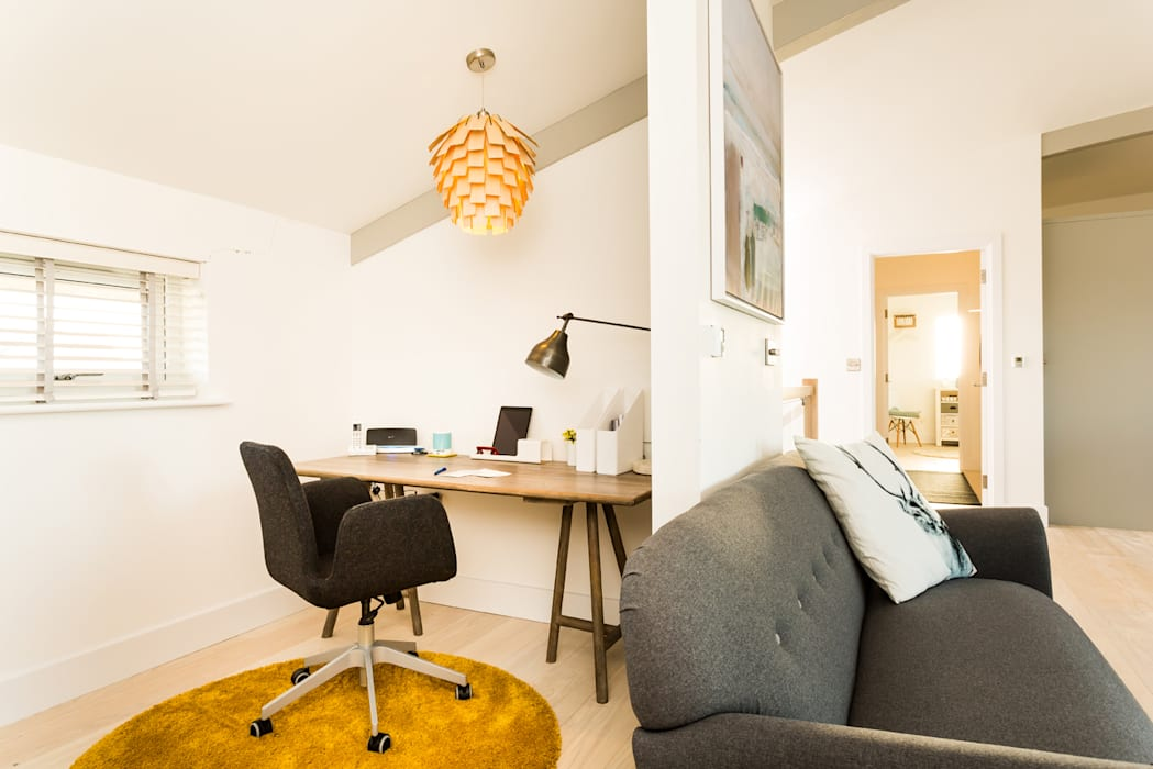 Oficinas de estilo  por The Bazeley Partnership