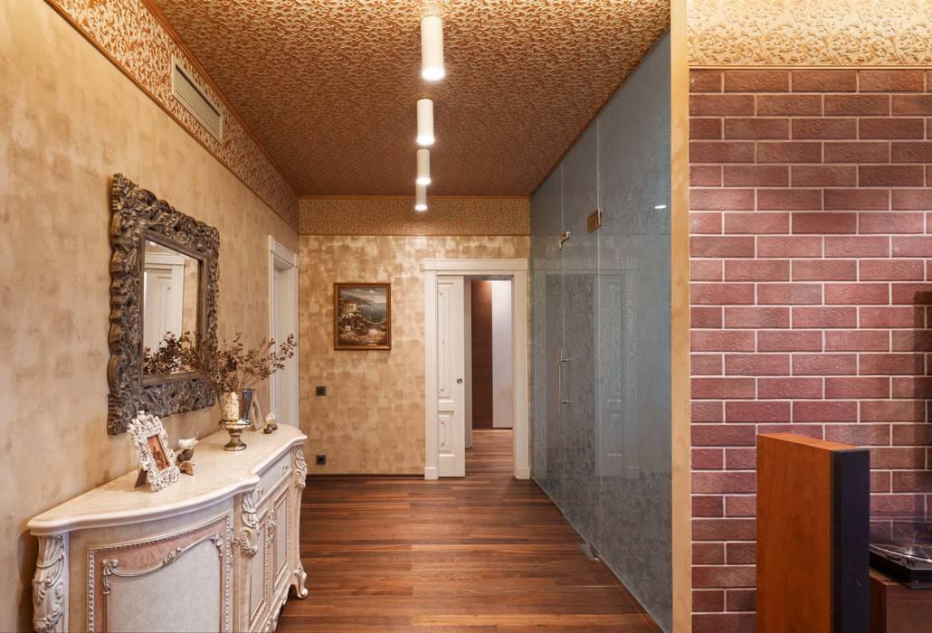 квартира с собачкой Коридор, прихожая и лестница в эклектичном стиле от homify Эклектичный
