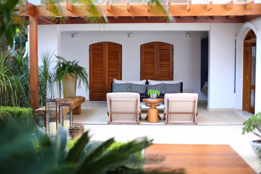 Moderner Balkon, Veranda & Terrasse von MeyerCortez arquitetura & design Modern