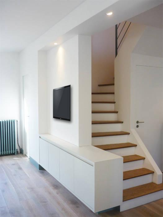 Salon - Yeme + Saunier / St. Maur: Couloir et hall d'entrée de style  par Yeme + Saunier