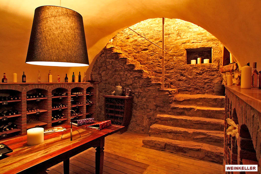 Architekturbüro Hans-Jürgen Lison Ruang Penyimpanan Wine/Anggur Gaya Rustic