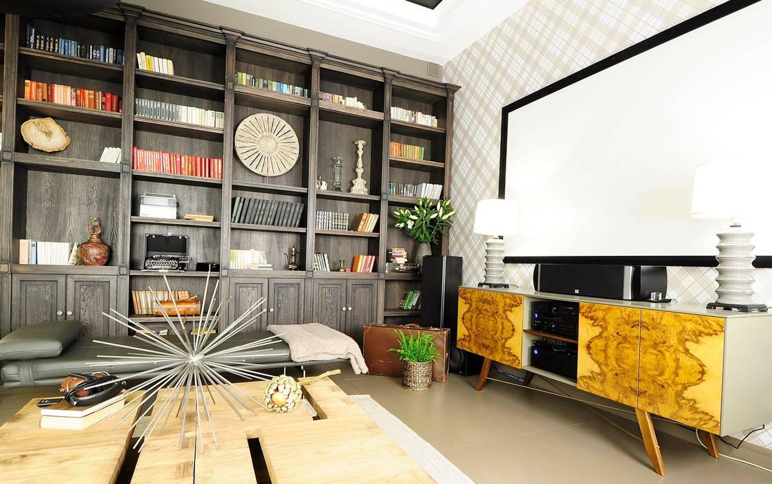 Media room by Roomsbyme,