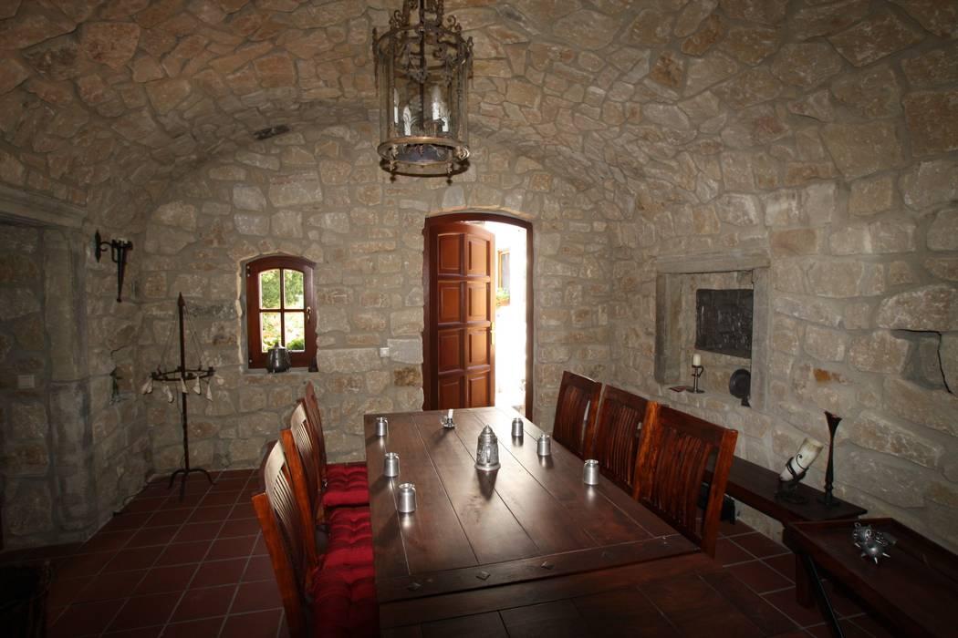 WeinkellerNeubau als Tonnengewölbe Mediterrane Weinkeller von Weinkellermanufaktur Welz Mediterran