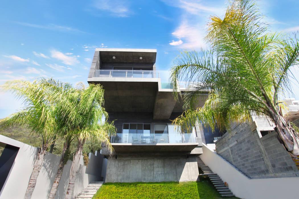 Diez y Nueve Grados Arquitectos Modern Houses