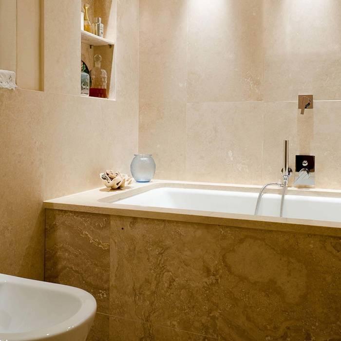 classic Bathroom by Pietre di Rapolano