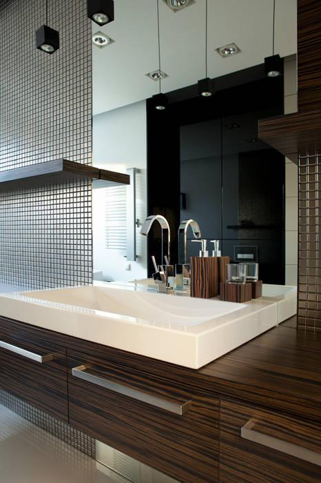 Minimalistyczna łazienka: styl , w kategorii Łazienka zaprojektowany przez living box