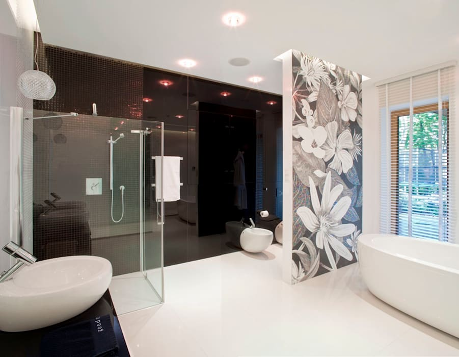 Łazienka z kwiatową mozaiką Eklektyczna łazienka od living box Eklektyczny