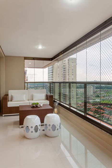 Apartamento Ribeirão Preto Designer de Interiores e Paisagista Iara Kílaris Varandas, alpendres e terraços modernos