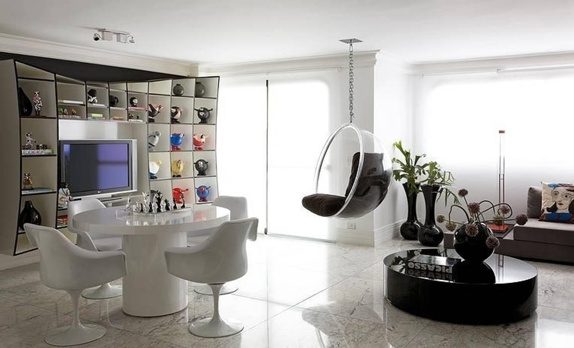 Ruang Multimedia oleh STUDIO CAMILA VALENTINI, Modern