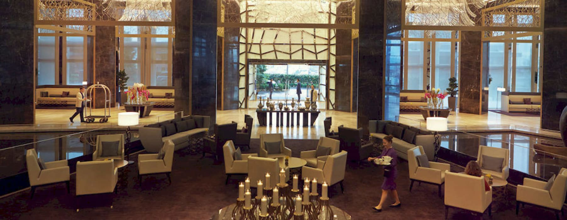 Raffless Hotel Zorlu Center- Backlit Onyx Modern Oteller Lamına Stone Modern