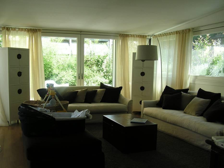 Soggiorno in veranda: Soggiorno in stile in stile Moderno di Arch. Silvana Citterio