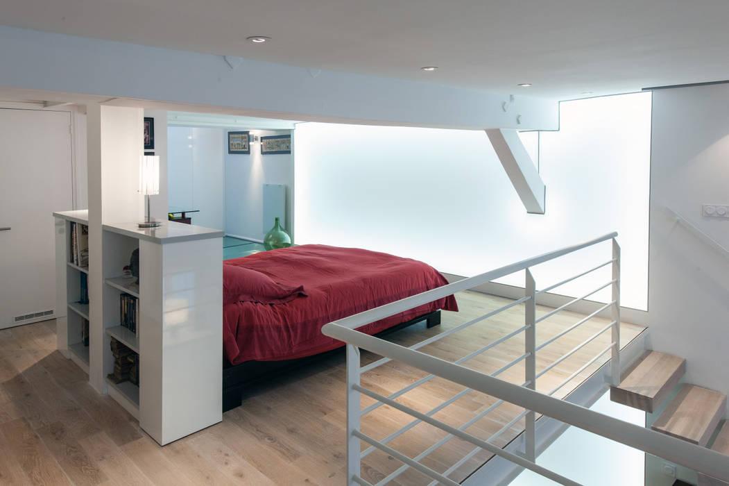 Mur lumineux dans une chambre: Chambre de style de style Moderne par Fables de murs