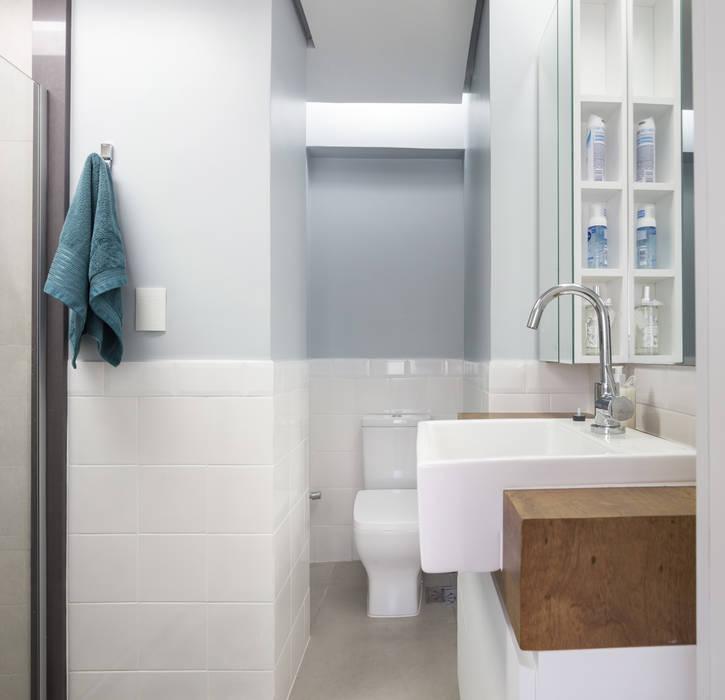 MCC   Projeto de Interiores Banheiros modernos por Kali Arquitetura Moderno