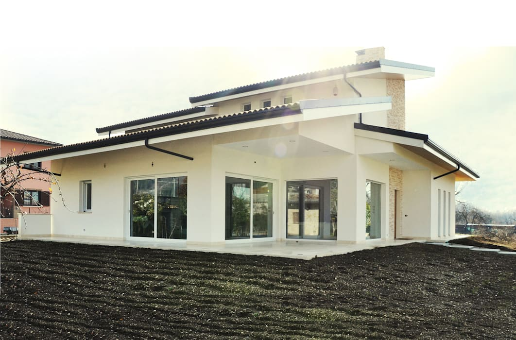 Family House Case moderne di Lucia D'Amato Architect Moderno