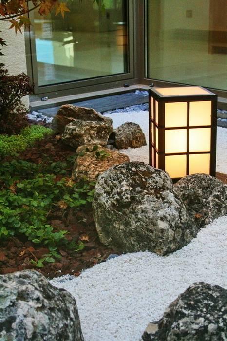 Jardin de invierno estilo zen Jardines de invierno de estilo moderno de Jardines Japoneses -- Estudio de Paisajismo Moderno