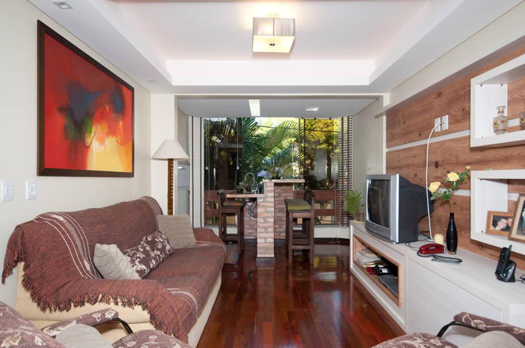 Projeto Apartamento de Casal Salas de estar modernas por Malu Soeiro Reforma, Arte e Design Moderno