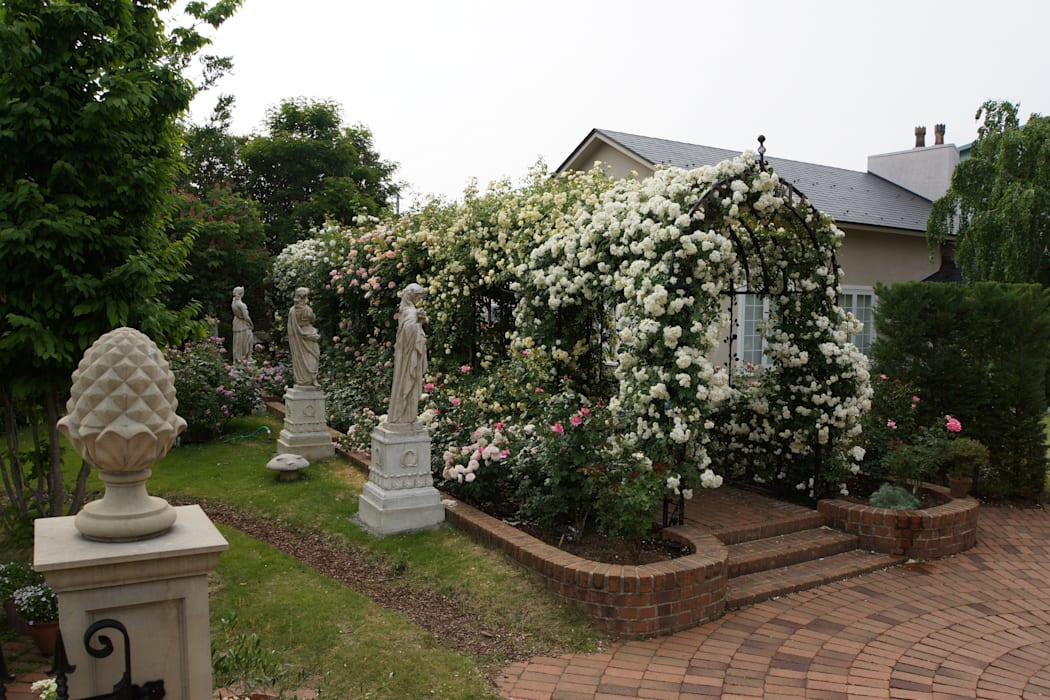 Kingswell Garden, Yamanashi Japan - The Rose Walk クラシカルなイベント会場 の Royal Stuart Garden Trust クラシック