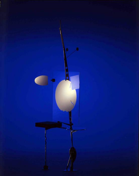 日本板硝子: 株式会社 伊坂デザイン工房が手掛けた折衷的なです。,オリジナル