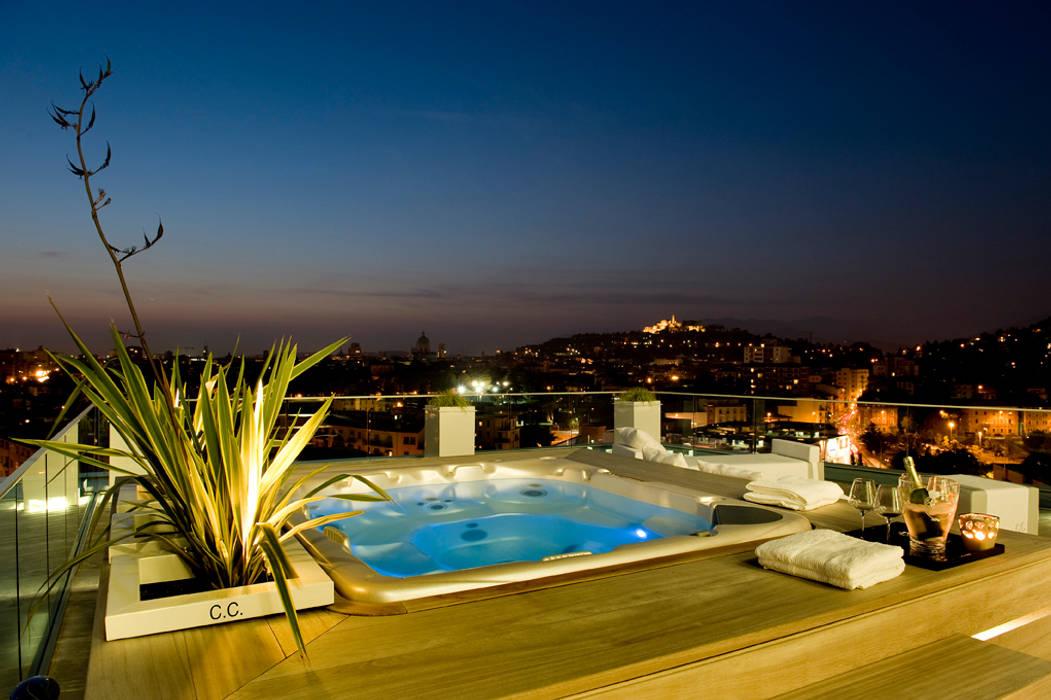 Studio Architettura Carlo Ceresoli Modern balcony, veranda & terrace