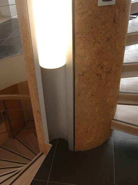 лестница Коридор, прихожая и лестница в стиле лофт от (DZ)M Интеллектуальный Дизайн Лофт