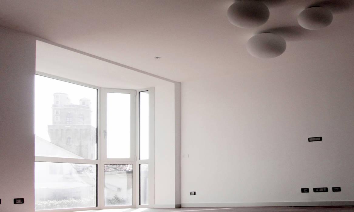 Bowindow: Soggiorno in stile in stile Moderno di andrea lazzaro architetto