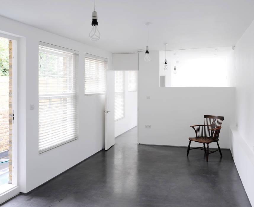 Old Workshop - living room Salones rústicos de estilo rústico de Jack Woolley Rústico