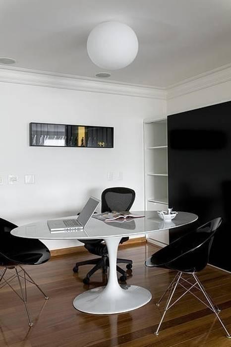 STUDIO CAMILA VALENTINI Ruang Studi/Kantor Modern