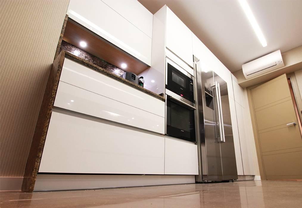Cocinas de estilo por l nea 3 cocinas madrid moderno homify - Linea 3 cocinas ...