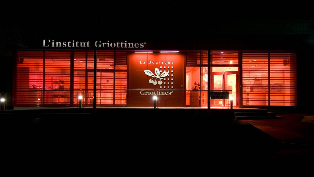 Façade de l'intitut Griottines: Locaux commerciaux & Magasins de style  par Pepindebanane