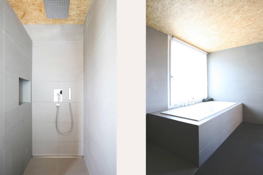 Baños de estilo  por skizzenROLLE, Moderno