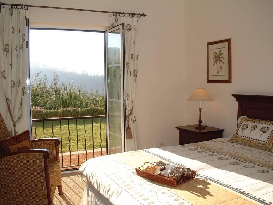 Dormitorios de estilo colonial de Елена Вэлхли Colonial