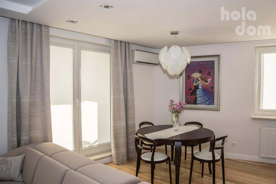 Mieszkanie młodej humanistki. : styl , w kategorii Jadalnia zaprojektowany przez HOLADOM Ewa Korolczuk Studio Architektury i Wnętrz