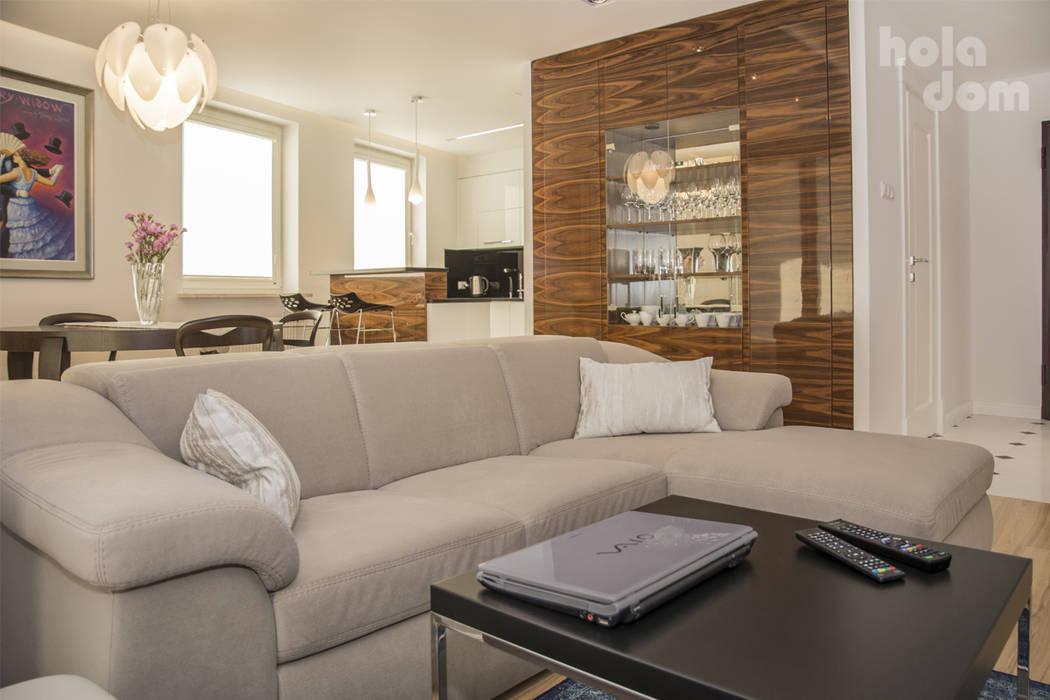 Mieszkanie młodej humanistki. : styl , w kategorii Salon zaprojektowany przez HOLADOM Ewa Korolczuk Studio Architektury i Wnętrz