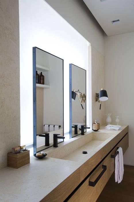 Modern Bathroom by Studio Fabio Fantolino Modern