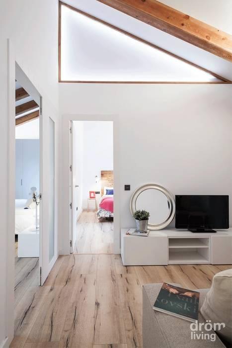 Scandinavian style corridor, hallway& stairs by Dröm Living Scandinavian