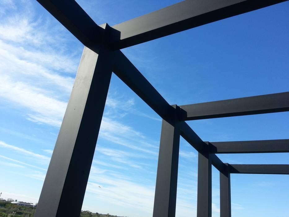 Moderner Garten von estudio|44 Modern Eisen/Stahl