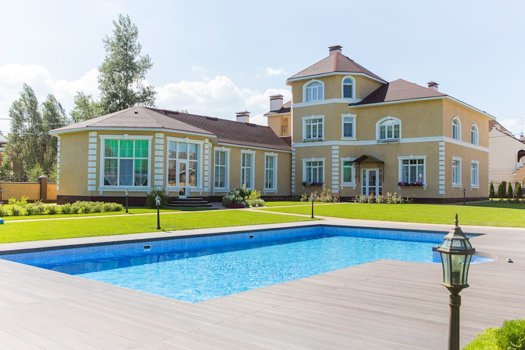 дом на берегу реки Дома в эклектичном стиле от Дизайн мастерская Елены Тимченко Эклектичный