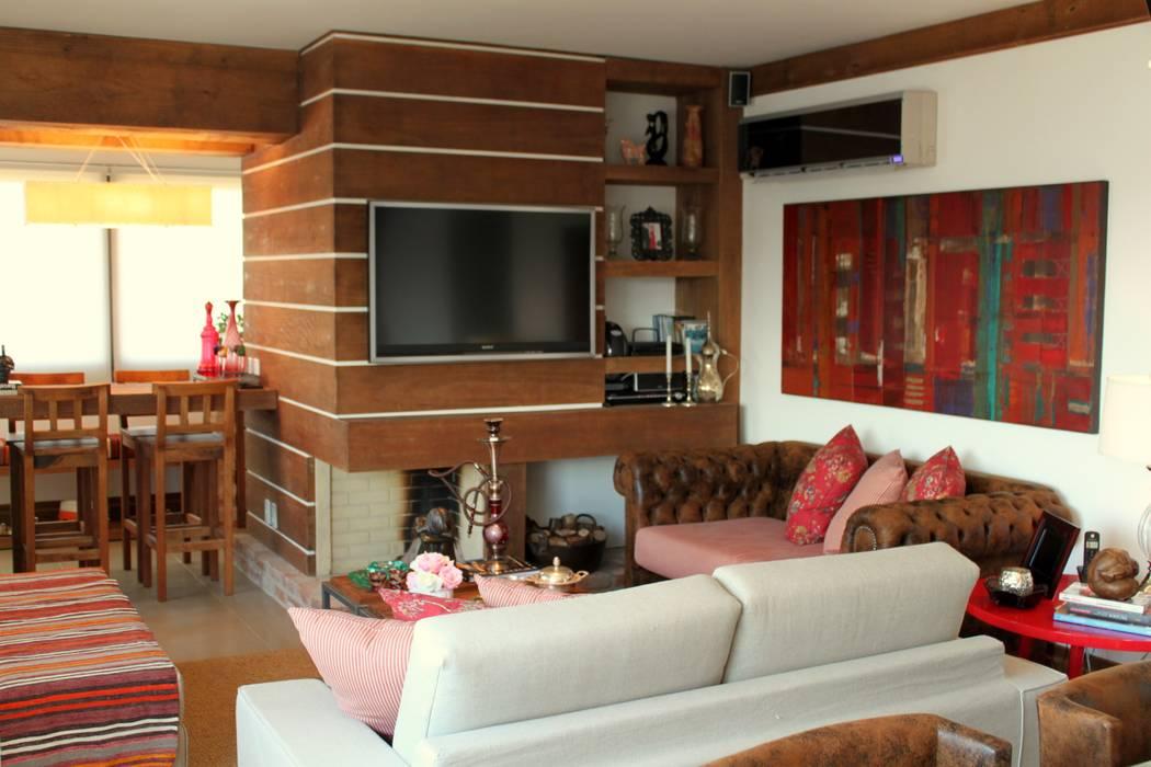 ห้องนั่งเล่น โดย Mariana M Simoes arquitetura conceitual, ชนบทฝรั่ง