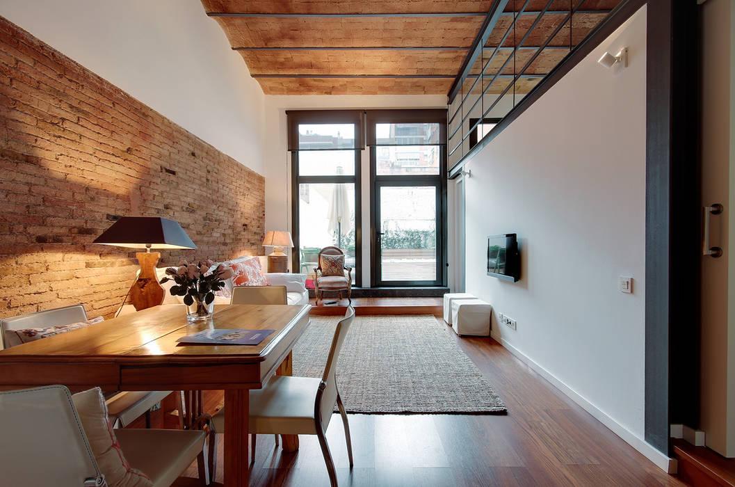 Minimalist dining room by ELIX Minimalist