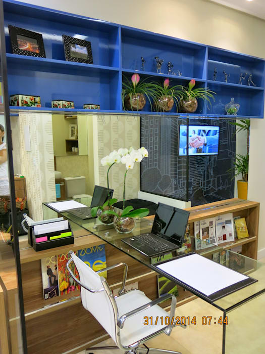sala comercial Espaços comerciais modernos por Andrea Petini arquitetura Moderno