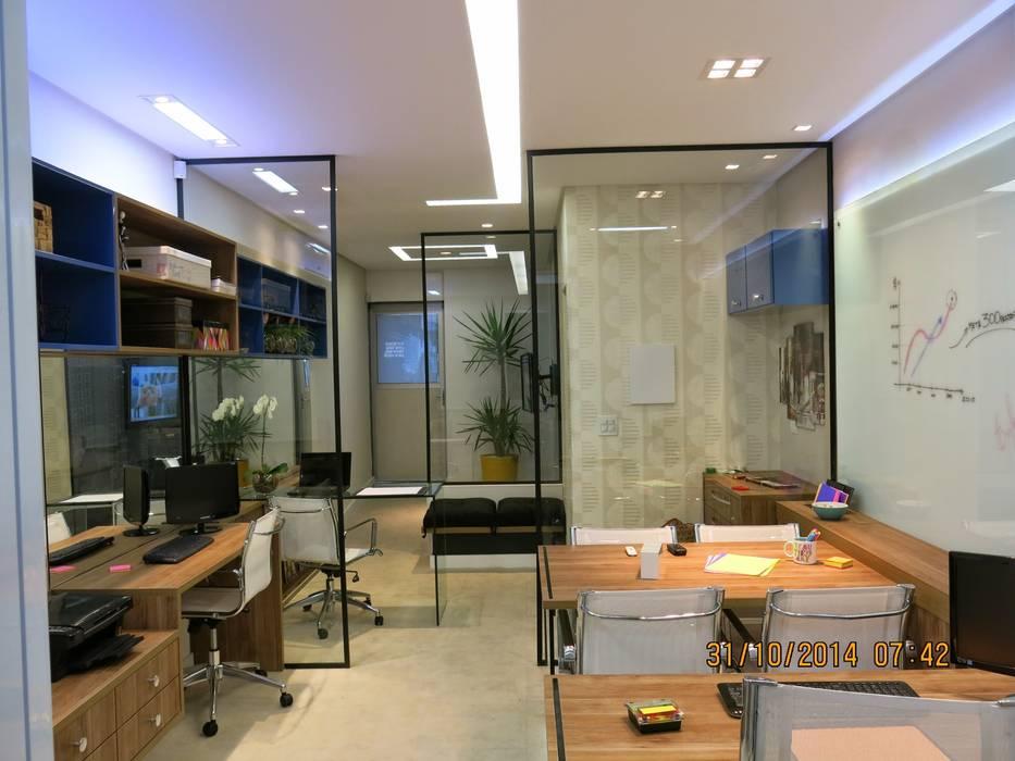 sala comercial : Espaços comerciais  por Andrea Petini arquitetura,Moderno
