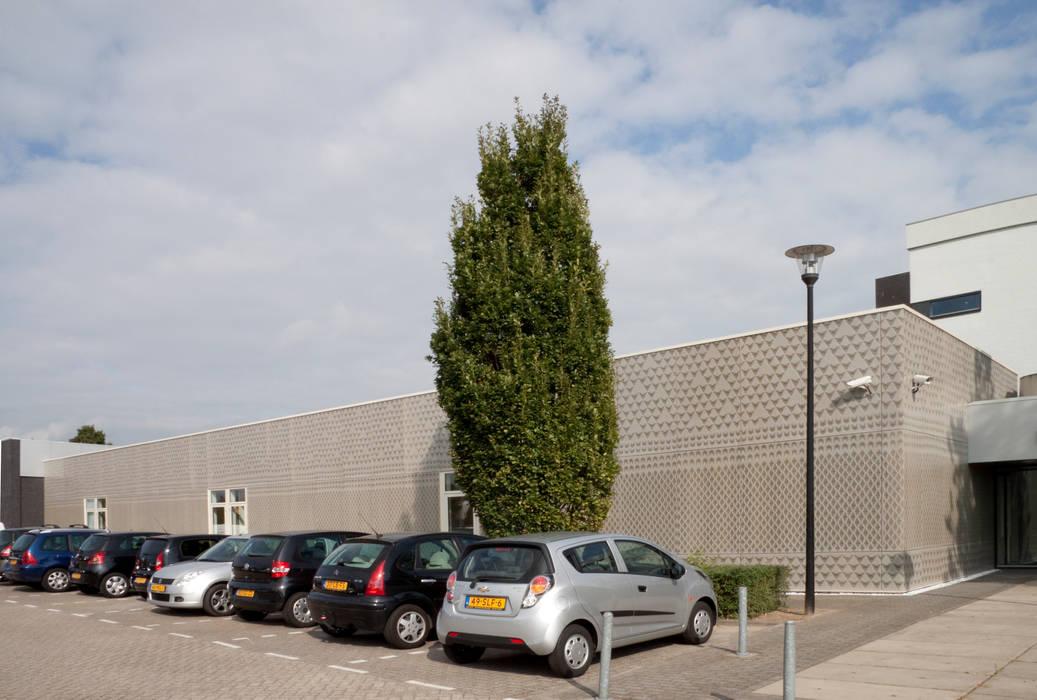 knitting a facade Moderne scholen van Studio Petra Vonk Modern