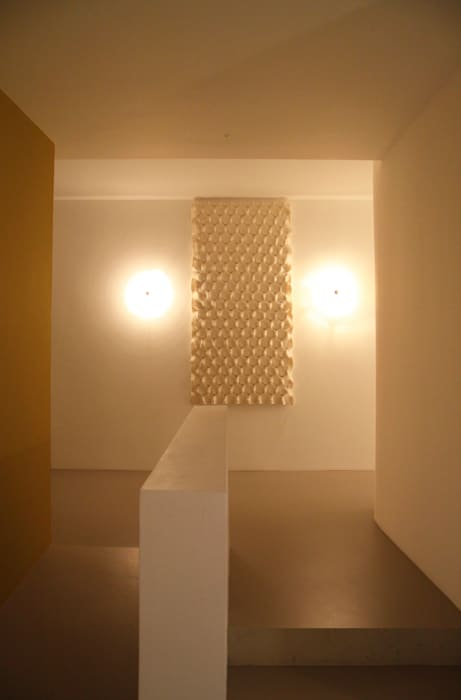 Wall tapestry to improve the acoustics:  Gezondheidscentra door Studio Petra Vonk