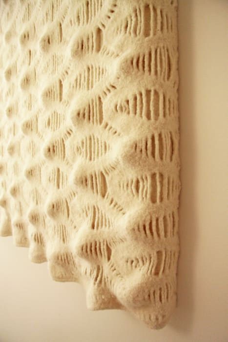 Detail of wall tapestry to improve the acoustics:  Gezondheidscentra door Studio Petra Vonk