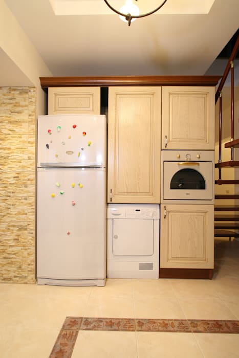 Интерьер загородного дома: Кухни в . Автор – Наталья Дубовая Charman-design